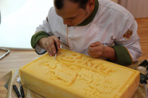 (34) cheese carving